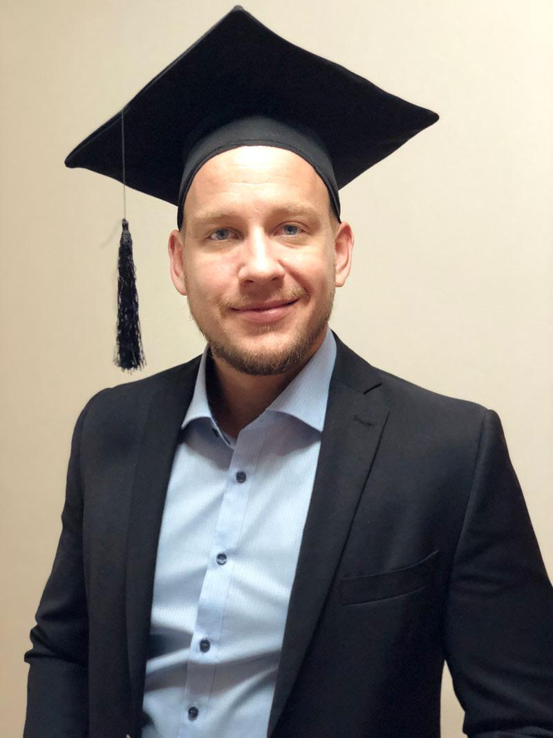 Simon Pfanzler hat die Prüfung zum technischen Fachwirt IHK als Bester der IHK-Region Stuttgart bestanden. Foto: privat